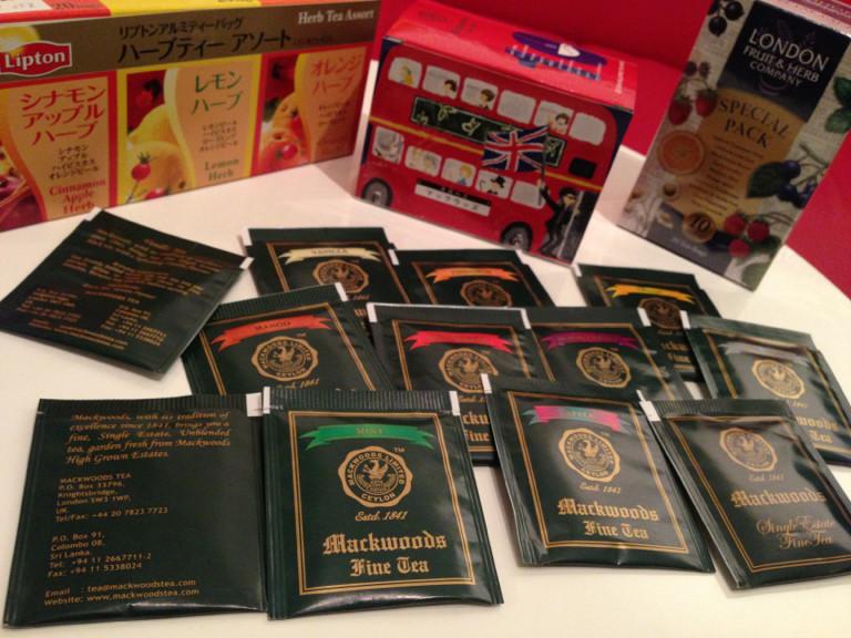 Mackwoods Tea. 茶葉のブレンドをしないシングルエステイト紅茶。箱がロンドンの二階建てバス。 - マックウッズ ファイン ティー ラボケリー茶園限定 フレーバーティー詰め合わせ 2g x 20袋 http://t.co/ZRGGKee3