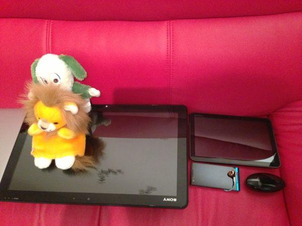 VAIO Tap 20 と MOTOROLA XOOM (タブレット) と ARROWS A (スマートフォン)