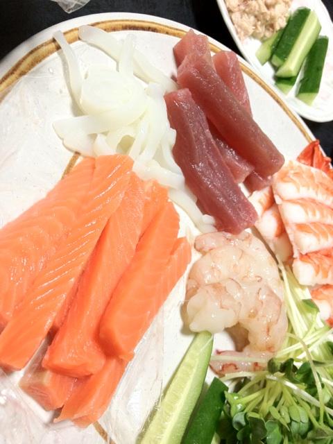 手巻き寿司〜 http://t.co/ElizdXxR