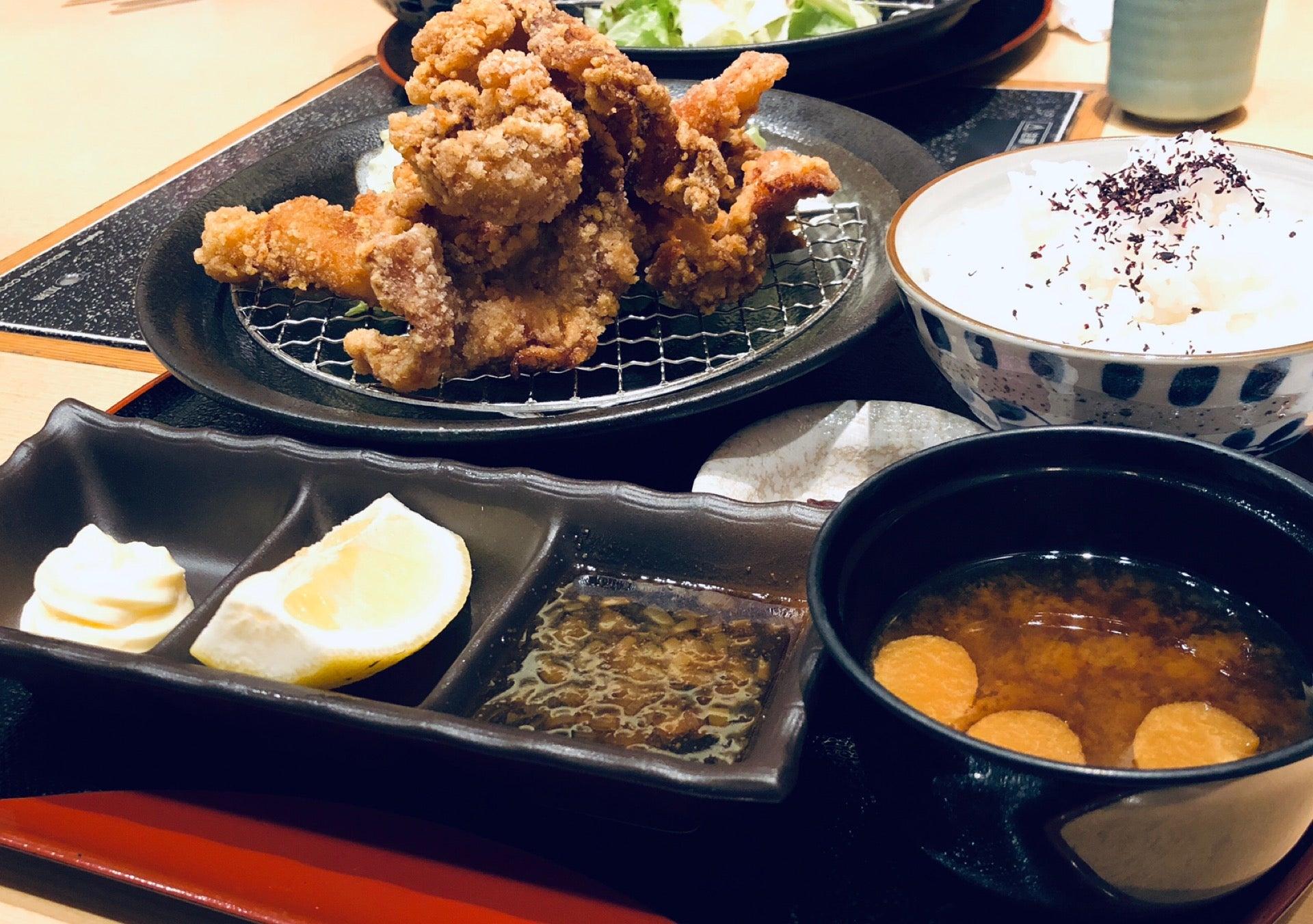 名古屋コーチンの唐揚げ定食。ちょっと油分が多いけど美味しい。 (@ とり五鐡 in 名古屋市, 愛知県) https://t.co/im2hEBfhcM https://t.co/w9i8fcA4tt