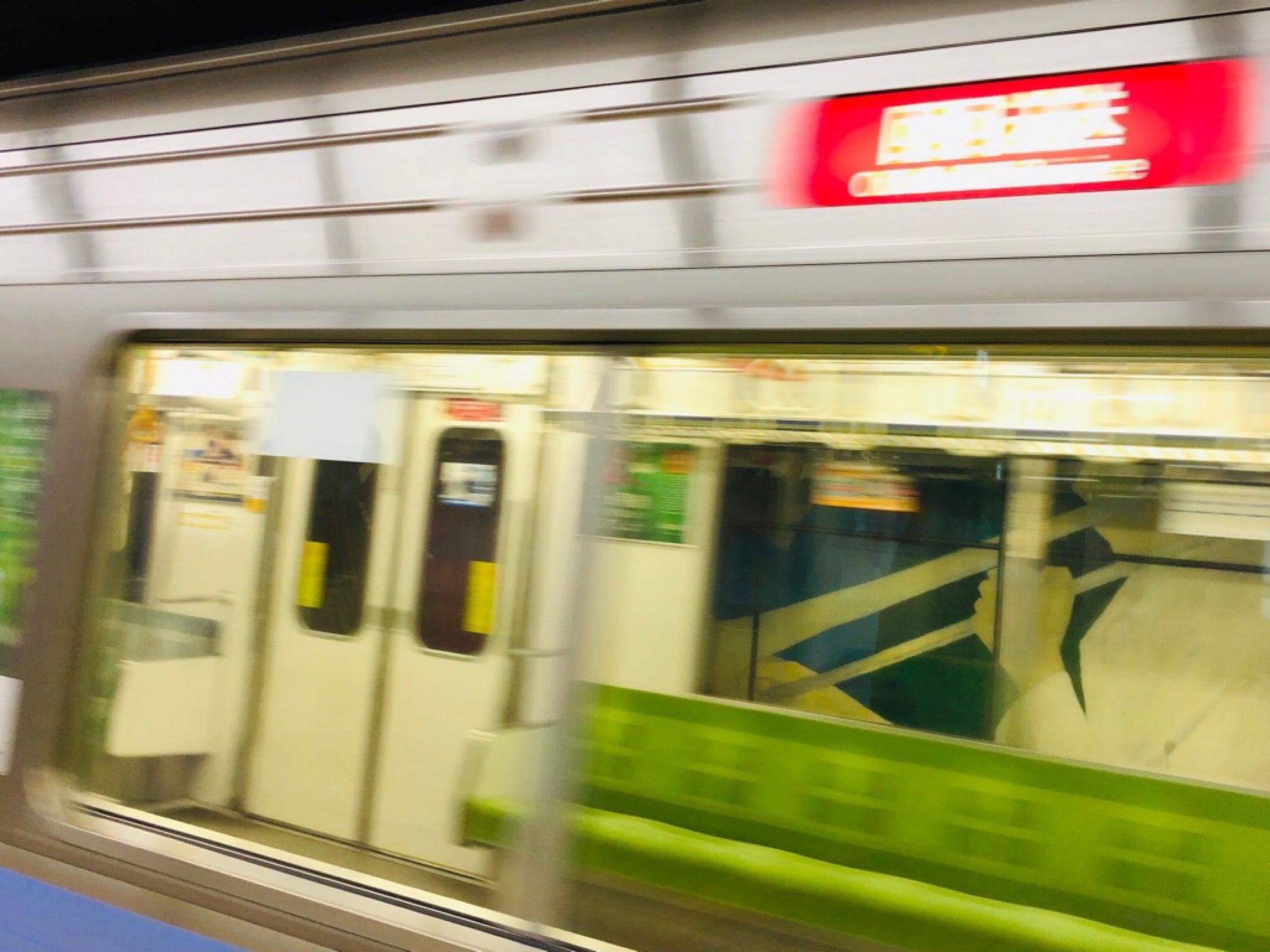 地下鉄の回送列車はじめて見たかも。 (@ 久屋大通駅 (S05/M06) - @nagoya_kotsu in 名古屋市, 愛知県) https://t.co/cR9nHf2wxa https://t.co/S26y0LWZ5K
