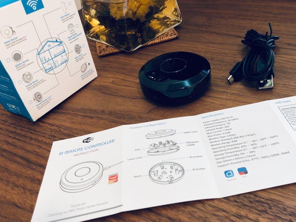 お安い赤外線リモコンを購入。Amazonマケプレにて1720円。中国から届いた。  「Amazon Alexa / Echo Dot、Google Homeと互換性があり、テレビ、STB、エアコン、ファンの音声制御」 「デバイスは2.4G WiFiのみをサポート」  Rakuby WiFi-IRリモート IRコントロールハブ https://t.co/trUVeNr38n https://t.co/w5Flmtnlrx