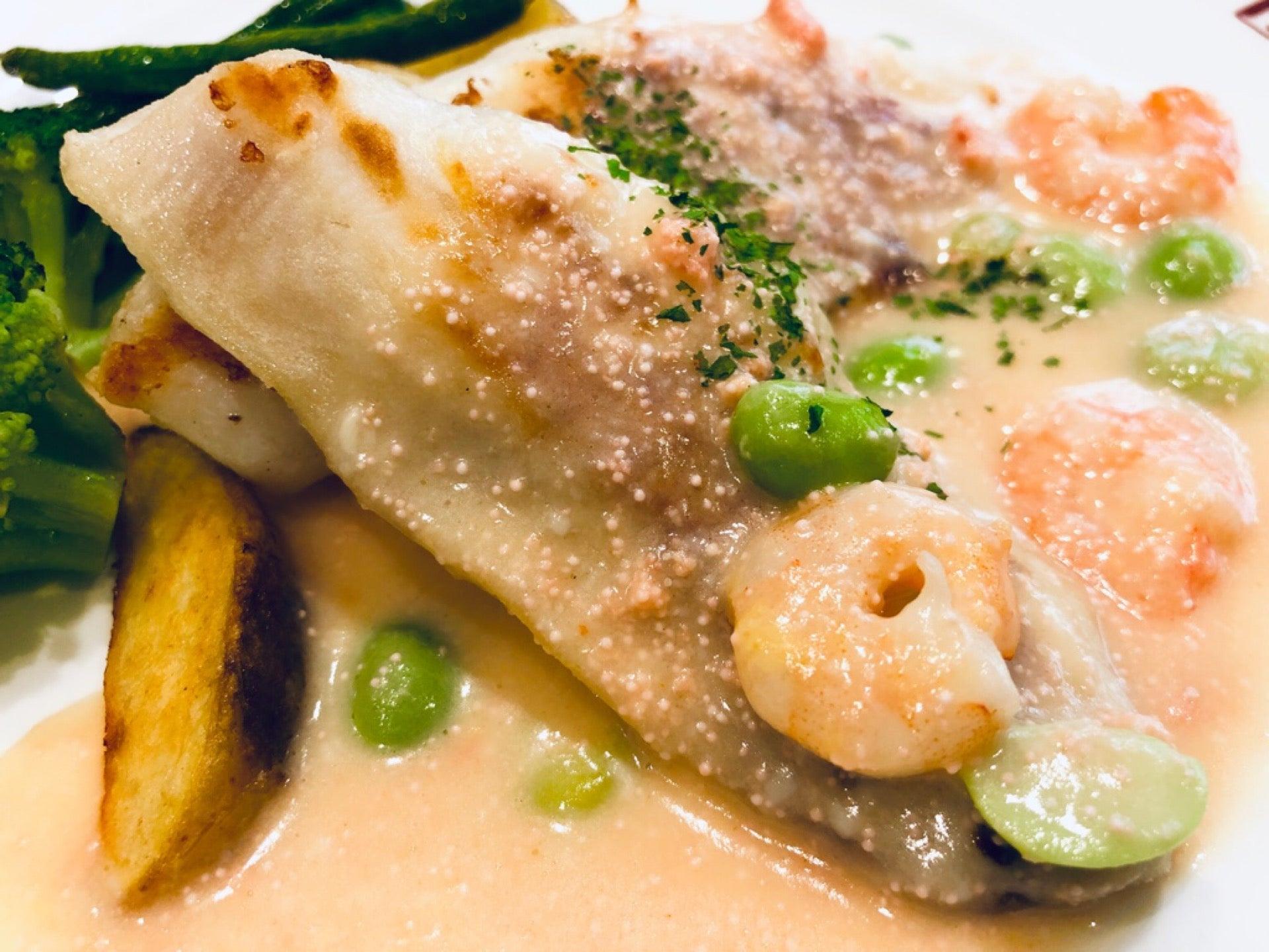 白身魚のグリル、明太子クリームソース (゚д゚)ウマー (@ BAQET エアポートウォーク店 in 豊山町, 愛知県) https://t.co/drRm24PoNW https://t.co/HnJJ76fuRn