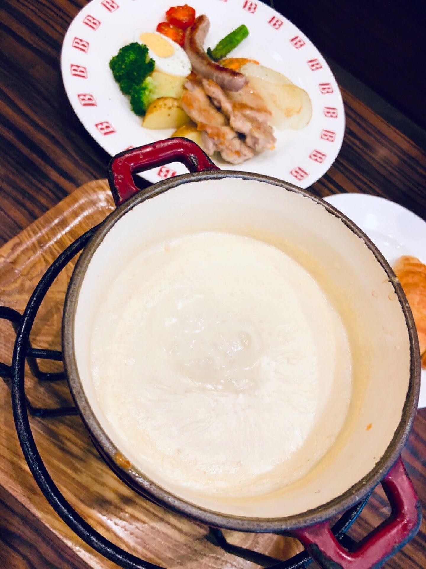 チーズフォンデュ (@ BAQET エアポートウォーク店 in 豊山町, 愛知県) https://t.co/fpcqy4ti7l https://t.co/qhNSH4t96c