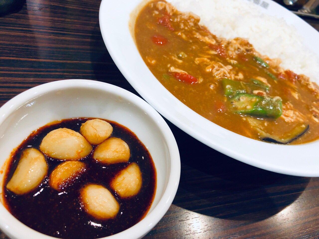 CoCo壱番屋 チキンと夏野菜カレー 旨辛にんにくトッピング (゚д゚)ウマー https://t.co/5V1L7XbOEp