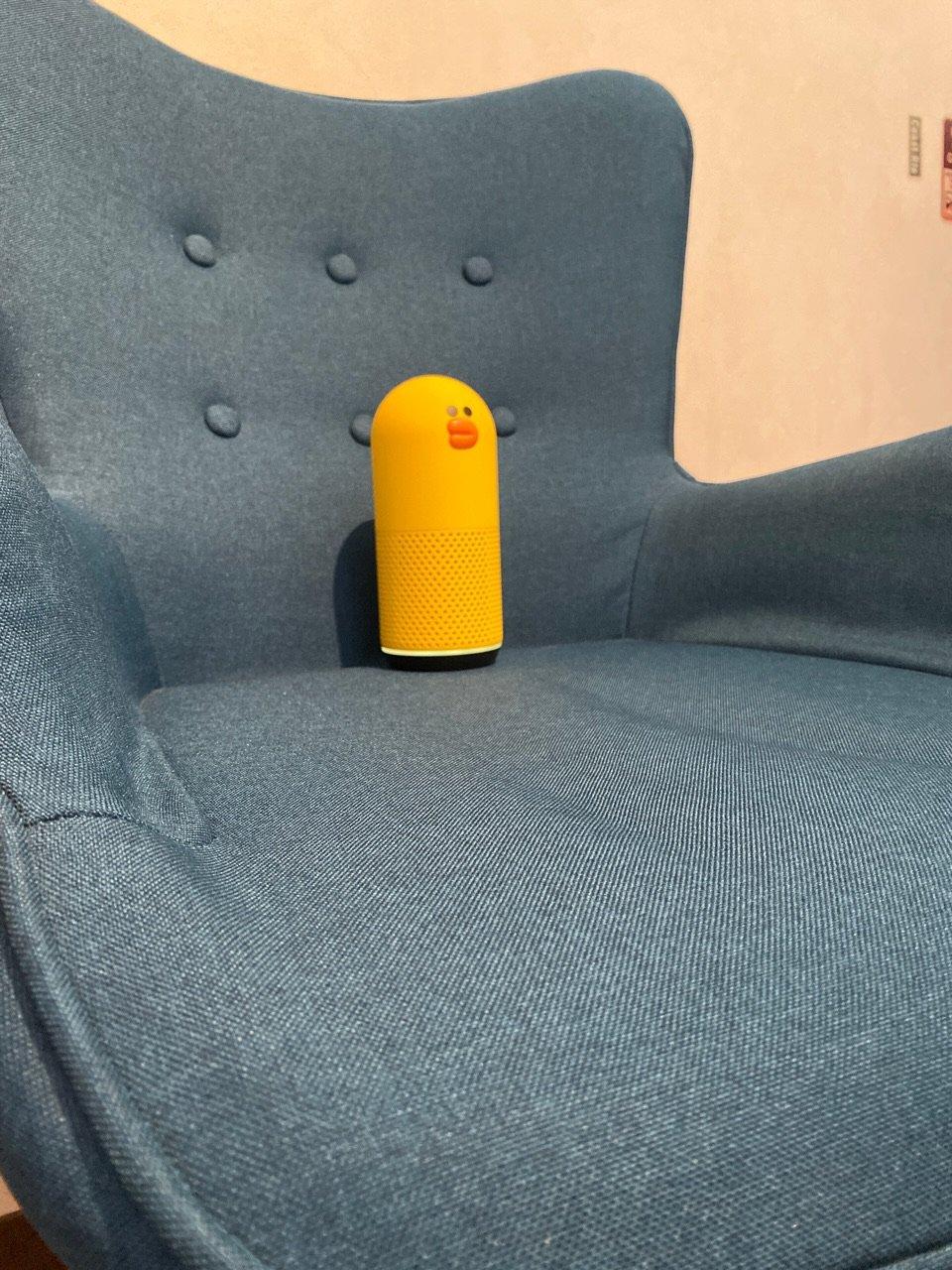 Vega Fabric Design Chair Grinapo Turquoise / 1年ぐらい使ってきたチェア。だいぶ座面がへたってきている気がする。何か乗せてへこんだ後なかなか戻らないし。 https://t.co/7neyXAIThy
