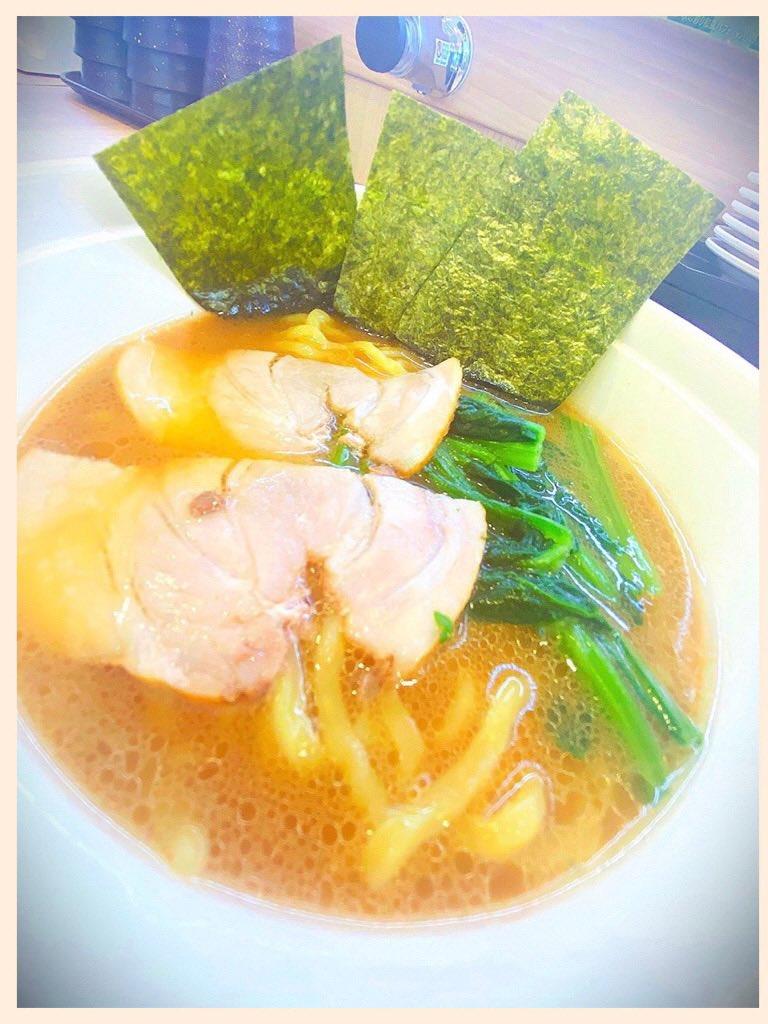 かっぱ寿司で家系ラーメン (*゚~゚*) https://t.co/Y6qQV7rLWl