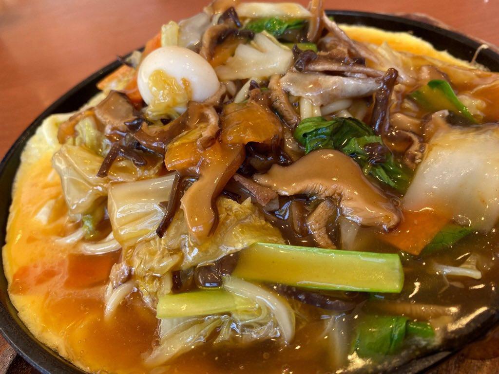鉄板 中華あんの野菜たっぷりスパゲッティ at パスタ・デ・ココ  (゚д゚)ウマー 個人的にはもうちょい甘さ控えめでもいいかな。中華丼のような八宝菜のようなあんかけスパゲッティ https://t.co/H0AP3TmFhr