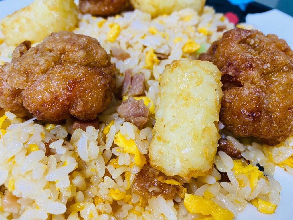 ウチの子のおひるごはん( ゚∀゚) レンチン炒飯、レンチンからあげ、レンチンハッシュドポテト。 https://t.co/yVPoYlt89z