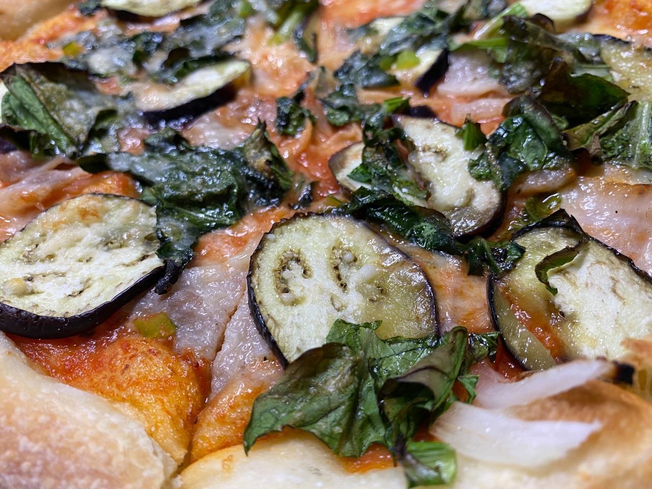 オルトラーナ (パンチェッタと季節野菜) トマトベース ピッツァ https://t.co/GGBaJQMcqt