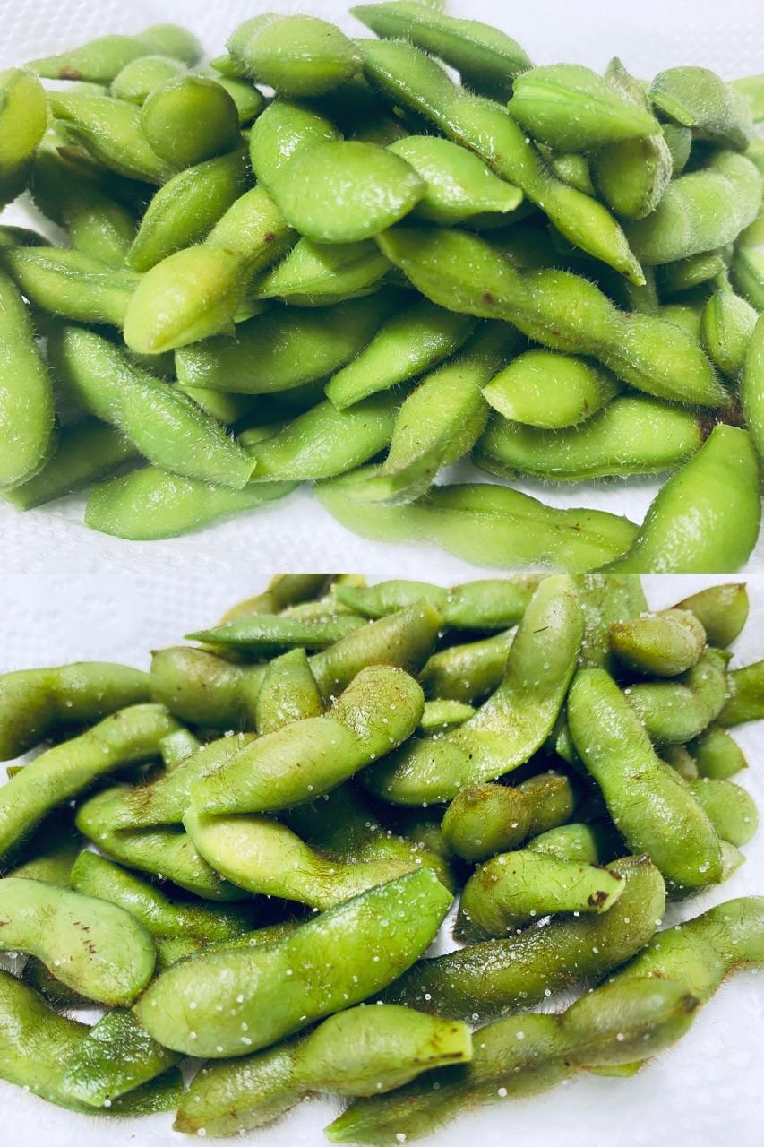 庭で育てた枝豆2種を今年初収穫。たぶん上のが青豆種で下のが茶豆種だと思うけどわからない。塩茹でして塩かけて食べる(゚д゚)ウマー https://t.co/paWZolHetd